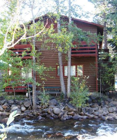 Swiftcurrent Lodge On The River: Balcony's #6, #203, #204
