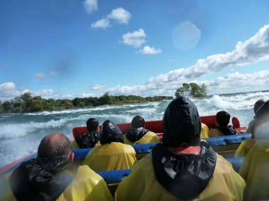 Saute-Moutons Jet Boating: The rapids