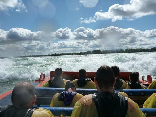 Saute-Moutons Jet Boating: heading back in to the rapids