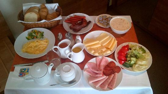 Expo Congress Hotel: Room Service Breakfast