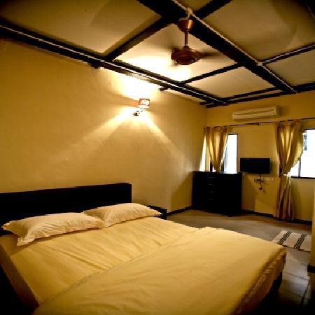 Etika Inn: Double Bed