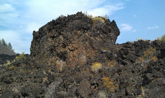 Lava Lands Visitor Center: Trail of Molten Land