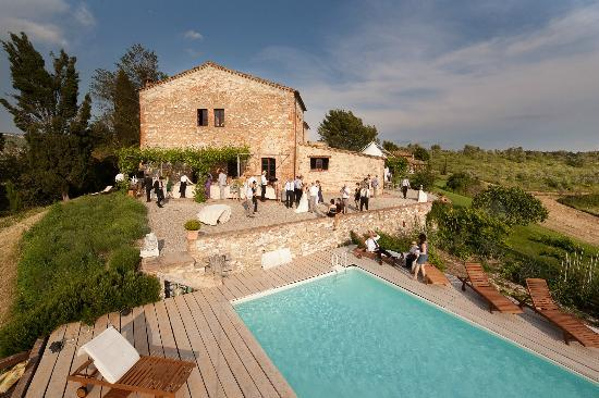 Podere Finerri: Cocktail hour at our wedding