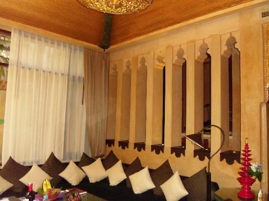 โรงแรมสวัสดี วิลเลจ: villa lounge