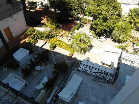 Luxury Villa Excelsior Parco: View of Ground Floor Terrace