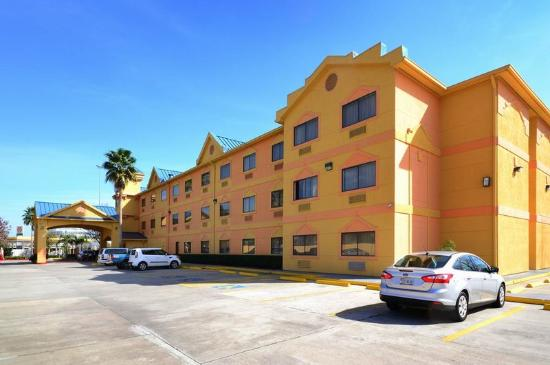 Photo of BEST WESTERN PLUS Northwest Inn & Suites Houston