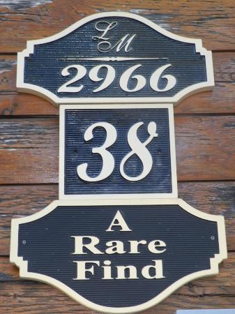 Gatlinburg Falls Resort: Placard