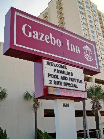 Gazebo Inn: Sign