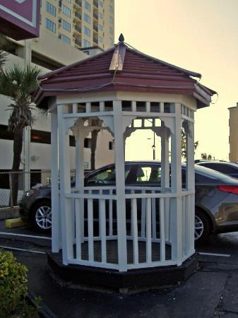 Gazebo Inn Ocean Front: The Gazebo out Front