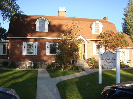 Red Brick Inn of Panguitch B&B: Front of House