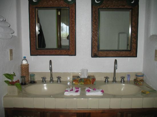 La Quinta Troppo: Handcrafted tiles in each bathroom
