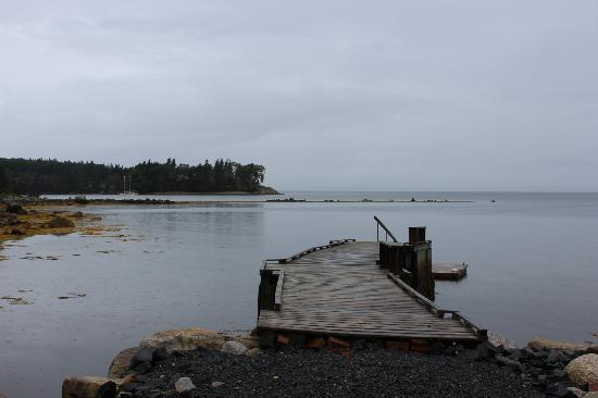 The Flying Dutchman Bed & Breakfast: The view (it was beautiful despite the lack of sunshine)