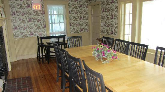 Ballard House Inn : Cozy Dining Room