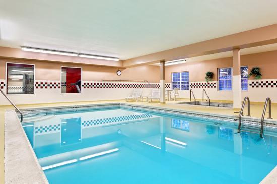 Country Inn & Suites By Carlson, Elgin: CountryInn&Suites Elgin Pool