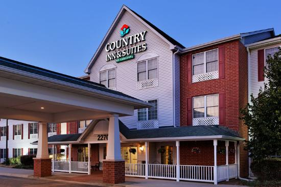 Country Inn & Suites by Radisson, Elgin, IL: CountryInn&Suites Elgin ExteriorNight