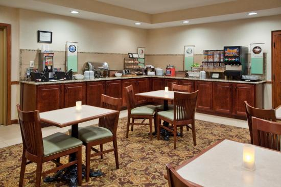 ‪‪Country Inn & Suites By Carlson, Anderson‬: CountryInn&Suites Anderson BreakfastRoom‬