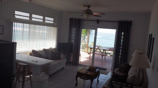 Villa Tropical Oceanfront Apartments on Shacks Beach: M1 oceanfront 1-bdr apartment