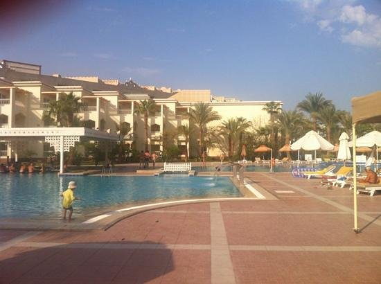 The Grand Hotel Hurghada: pool area with swim up bar