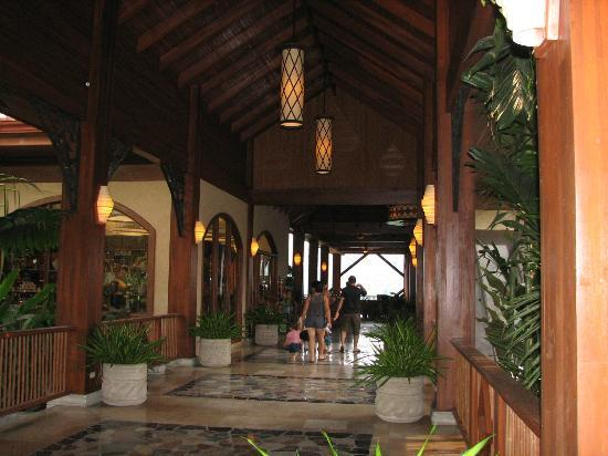 The Springs Resort and Spa: Hotel Entry and Lobby