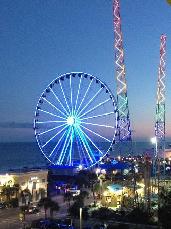 Aqua Beach Inn Skywheel Slingshot
