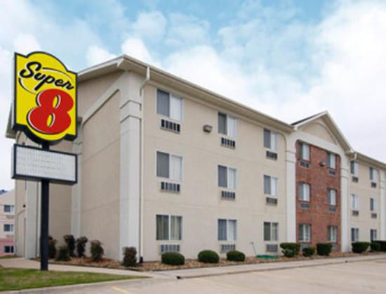 Super 8 by Wyndham College Station: Welcome to the Super 8 College Station
