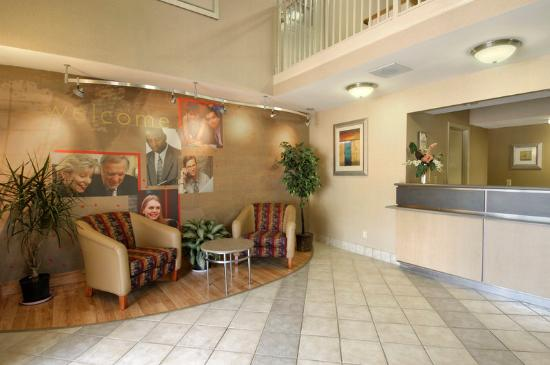 Motel 6 Gatlinburg Smoky Mountains: Lobby