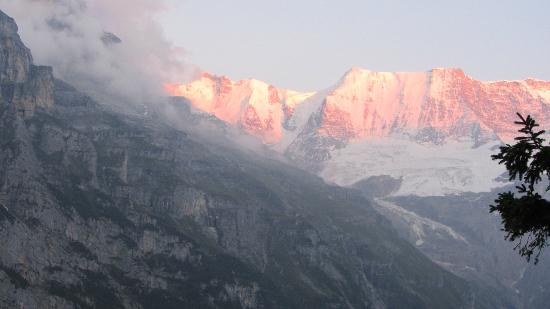 Hotel Edelweiss: view from balcony at sunset