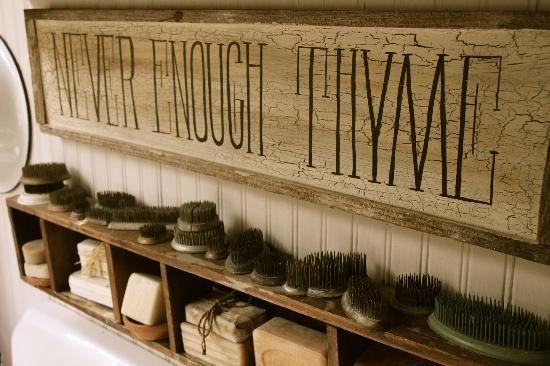 Back N Thyme decorations