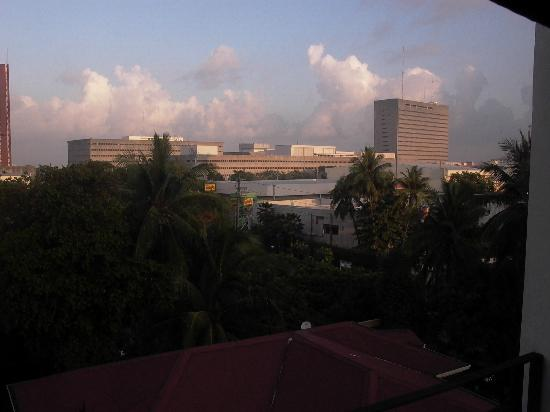 Orchid Garden Suites - Manila: LOOKING EAST