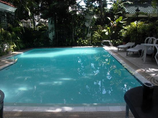 Orchid Garden Suites - Manila: POOL FRO BREAKFAST ROOM