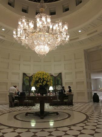 The Oberoi Amarvilas: reception area