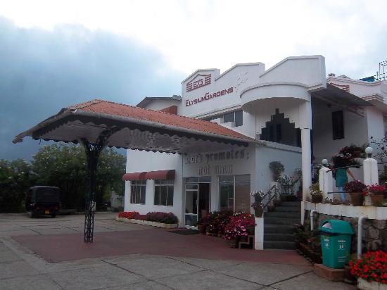 Elysium Garden Hill Resorts: Resort