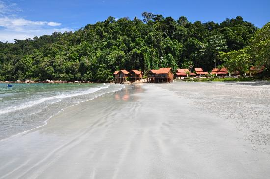 Pangkor Island Beach Resort: Villas at the beach