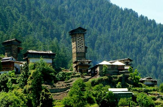 Camp Himalayan : Chehni Fort near by.