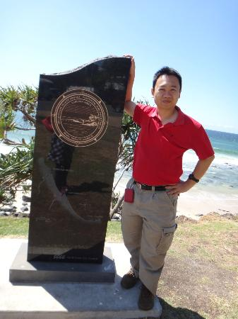 Burleigh Heads Beach : Burleigh Head Statue