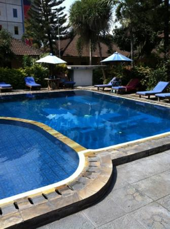 Hotel Lusa: swimming pool is clean