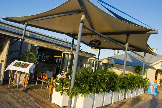 River Deck Restaurant: Our Front Deck