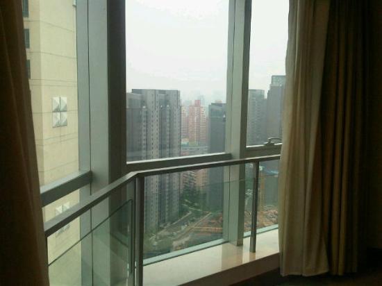 Ambassador Hotel: Habitación en un piso 24