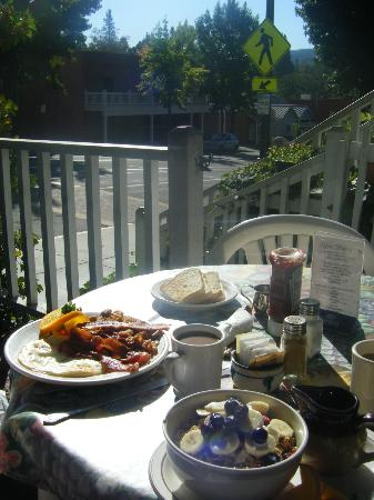 The Garden Cafe: Garden Cafe breakfast