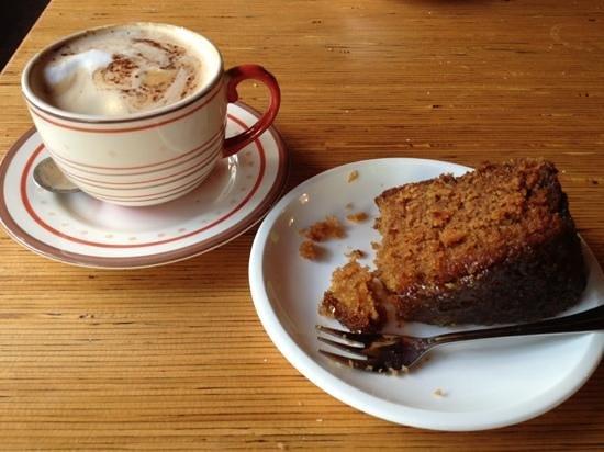 Josef's Vegetarian Cafe: coffee & cake