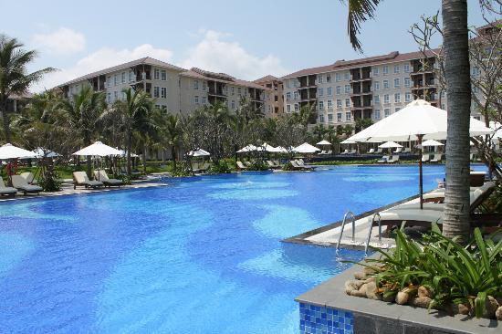 Vinpearl Da Nang Resort & Villas: 1 of 5 pools