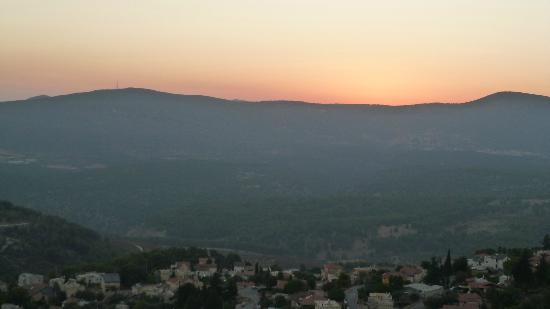 View from the mountain where Safed Inn is...........but a short walk from the place