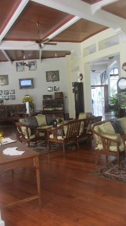 Centara Grand Beach Resort & Villas Hua Hin: Museum/bar