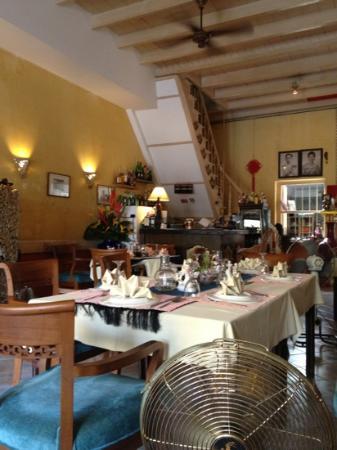 Dibuk restaurant : quite charming.