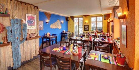 Tres Amigos Mexican Bar & Restaurant: Tipico Mexican Restaurant