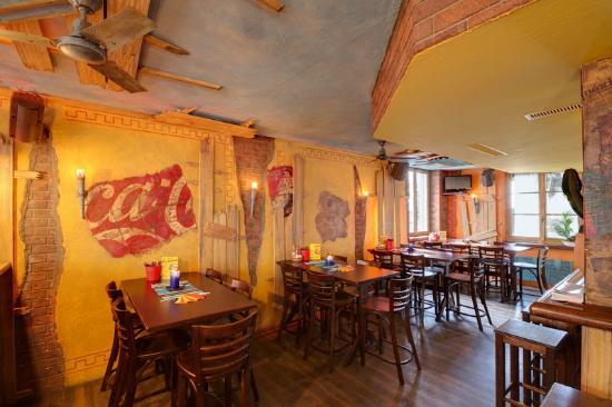 Tres Amigos Mexican Bar & Restaurant: Mexican in a historic Swisshouse