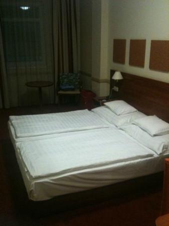 City Inn: stanza da letto