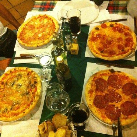 La Passeggiata: Our pizzas!