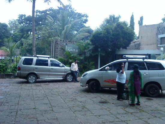parking area of Hotel Kailash