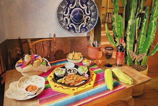 Tres Amigos Mexican Bar & Restaurant: Tasty and fresh mexican food and cocktails